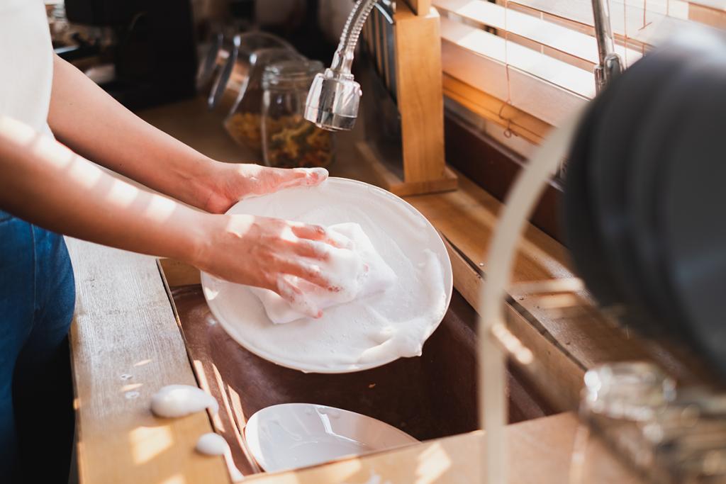 食洗機と手洗いでかかる光熱水費の比較